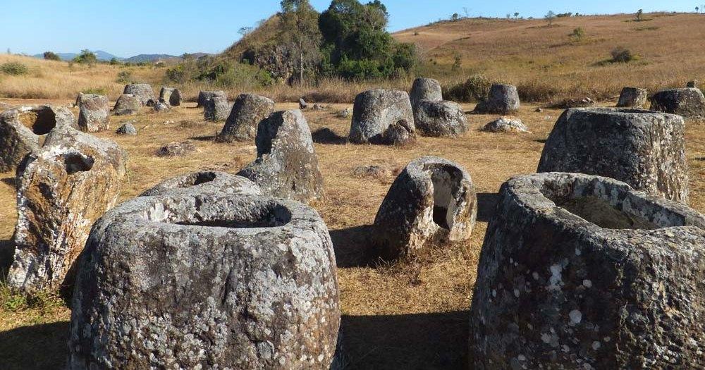 Археологи выяснили возраст кувшинов великанов, найденных в Лаосе