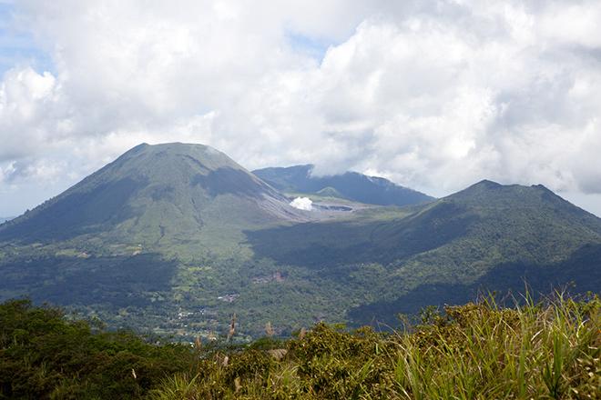 В Индонезии возможно извержение сразу трех вулканов