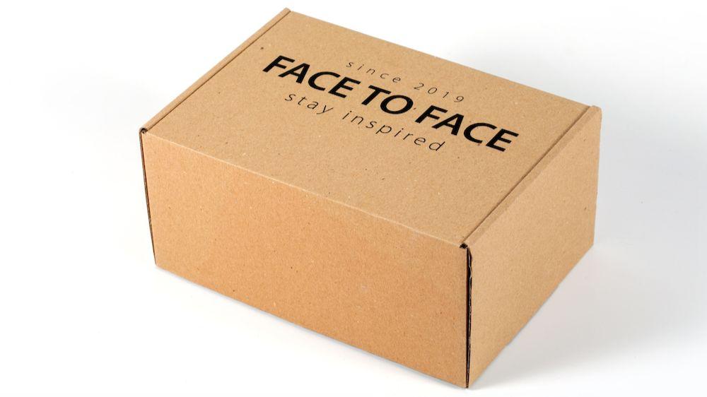 Стоит ли переплачивать за коробку с логотипом?