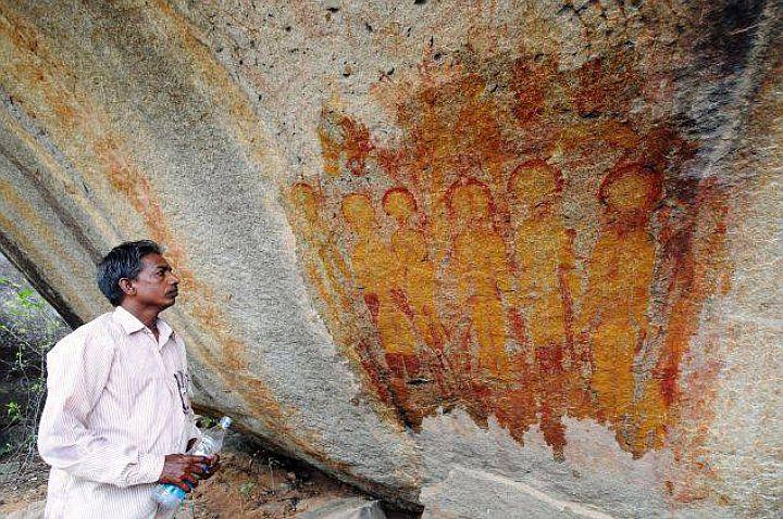 В Индии найдены изображения пришельцев