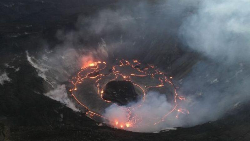 В лавовом озере гавайского вулкана появился плавучий остров