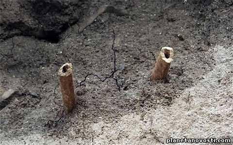 Умершего 800 лет назад монаха нашли по торчащим из скалы ногам