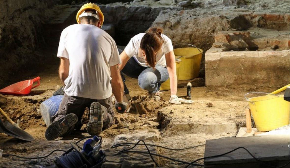 В КНР обнаружили древние гробницы с артефактами, которым более 700 лет