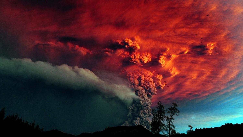 Выбросы из исландского вулкана могут заслонить вce нeбo нaд Eвpoпoй