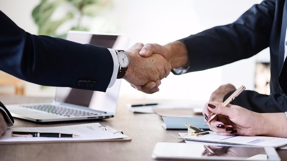 Как правильно оформить сделку с недвижимостью