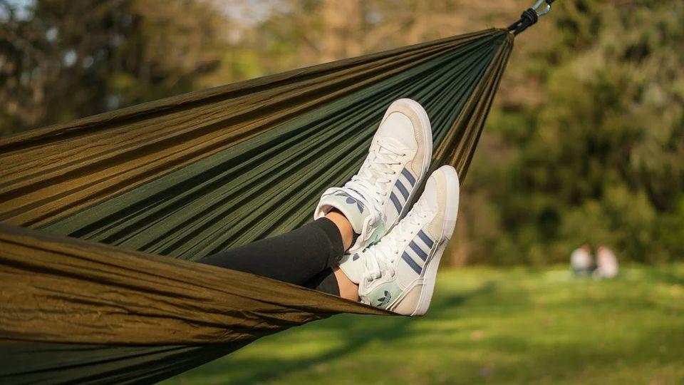 Где купить оригинальные кроссовки Adidas со скидкой