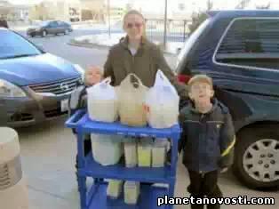 Американка выдоила из своей груди 462 кг грудного молока