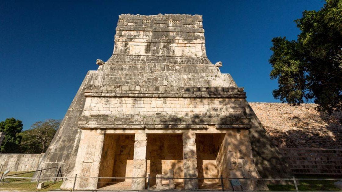 Расшифрованы записи майя, оставленные в Чичен-Ице на Храме Ягуаров