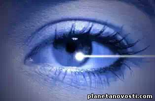 Доктора изобрели технологию, превращающую карие глаза в голубые