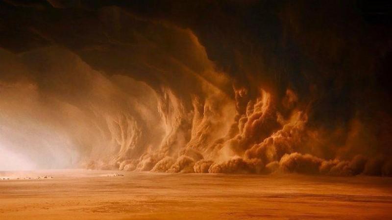 Мощная песчаная буря накрыла Аризону: на улицах нулевая видимость, люди не выходят из своих домов
