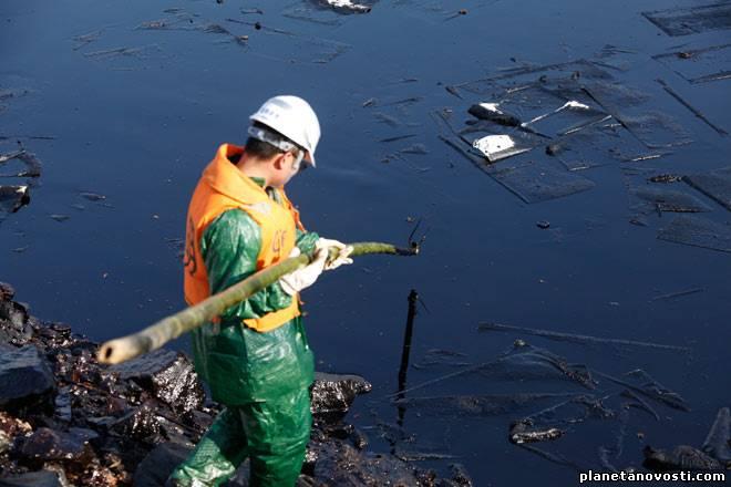 У берегов Южной Кореи произошел разлив нефти