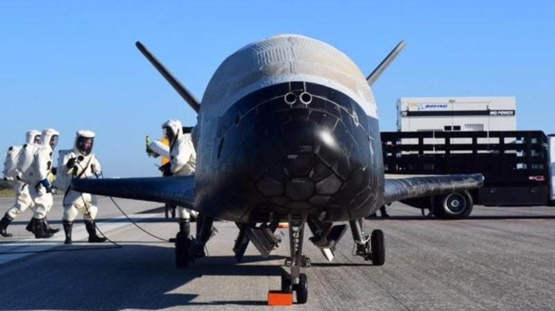 Американский секретный самолет вернулся на Землю после двух лет в космосе