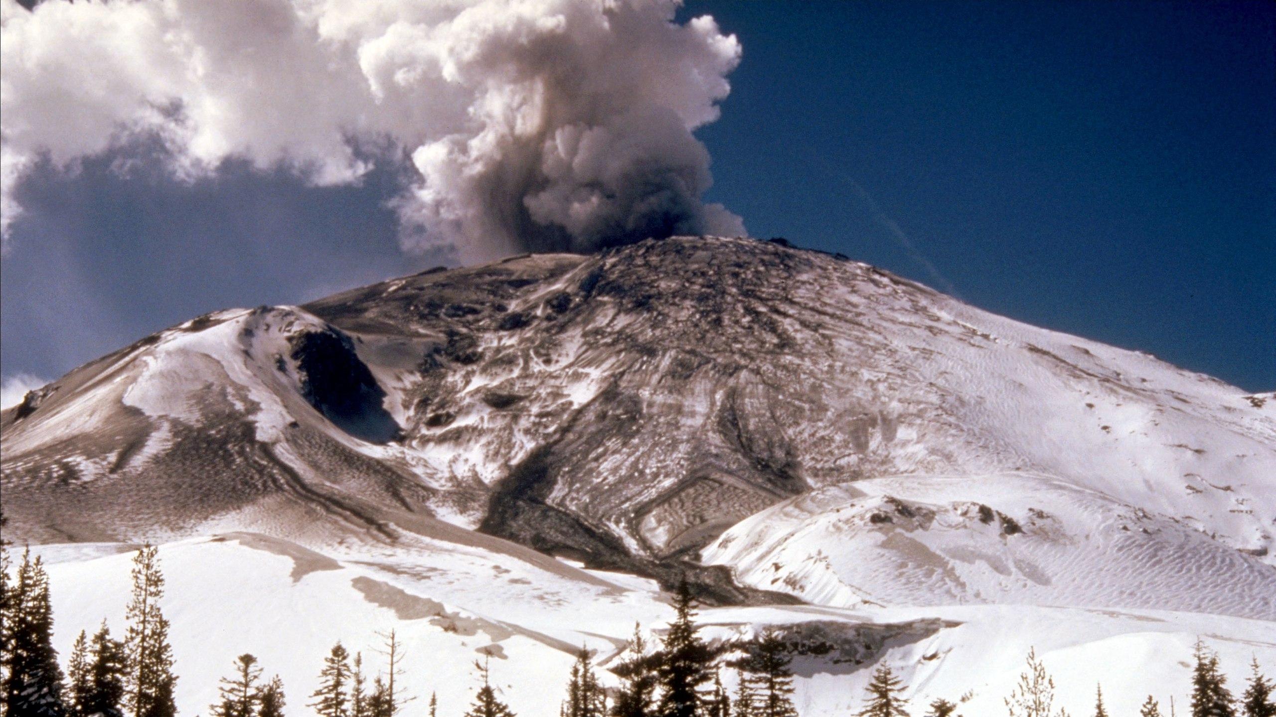 Вулкан Бейкер может напомнить о себе в любую секунду