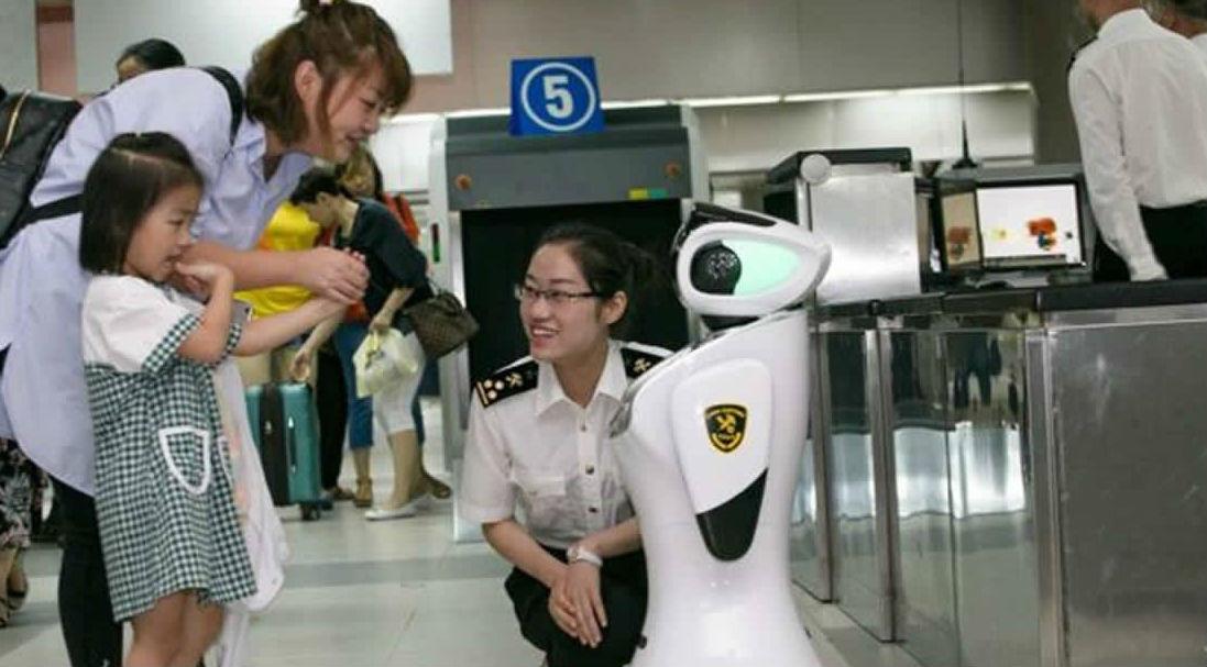 Китайская таможня заменила людей роботами