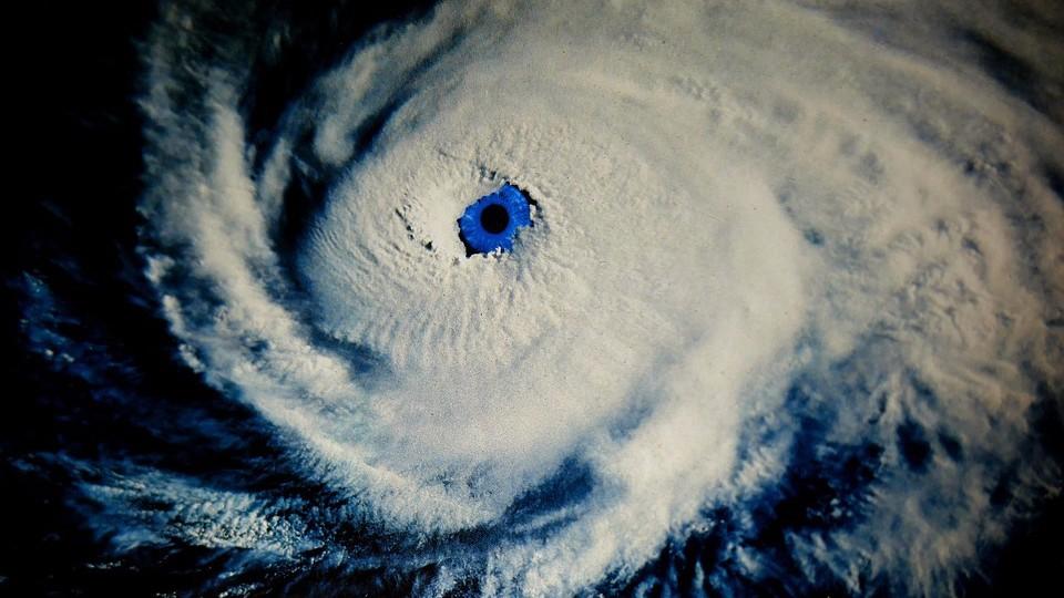 В ближайшее время по всей Земле будут бушевать ураганы 6 категории