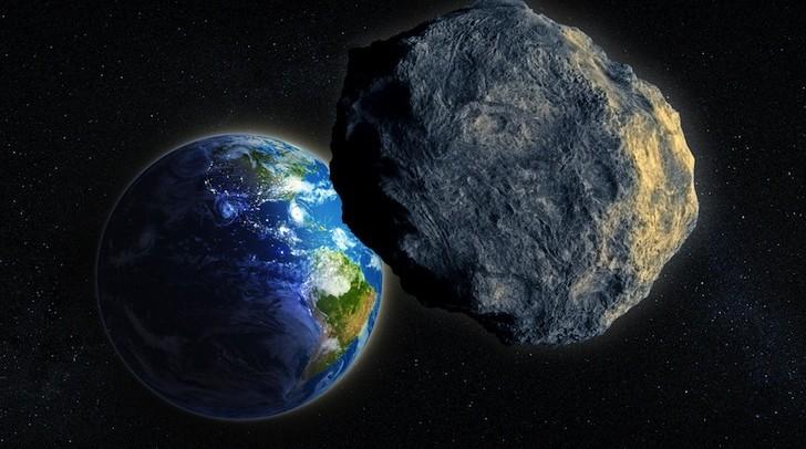 К земле на большой скорости мчится гигантский астероид