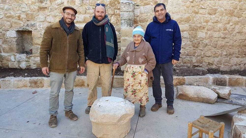 В Израиле найден 1800-летний камень с надписями на иврите