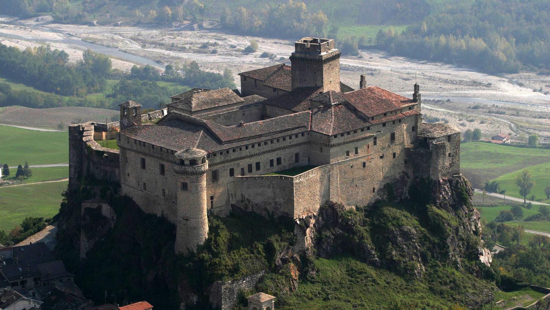 Власти Италии бесплатно раздают замки и монастыри