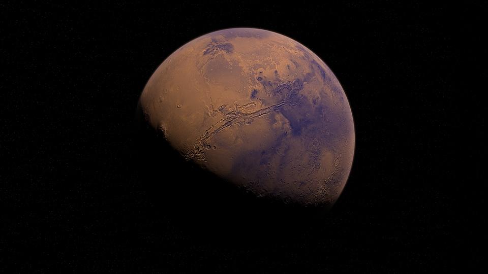 На Марсе вновь заметили странное облако над вулканом