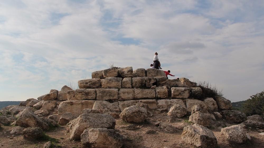 Таинственная пирамида под Иерусалимом сбила с толку исследователей