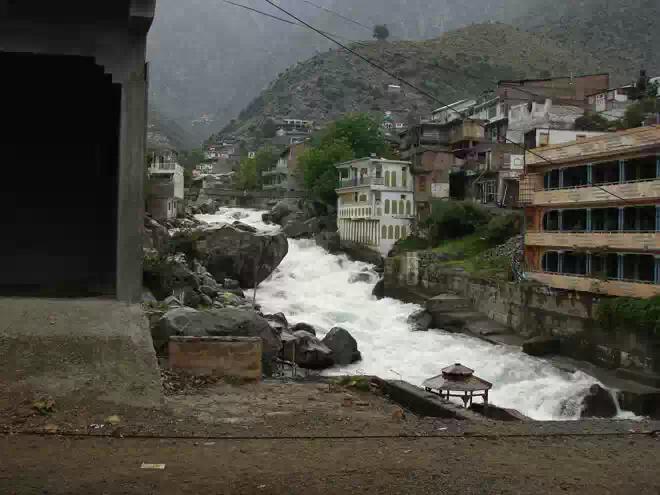 Жертвами оползня в долине Сват стали 16 человек