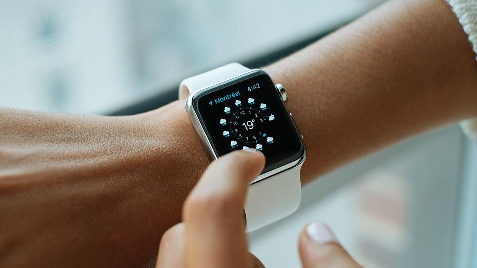 Apple Watch Series 4: советы по выбору, преимущества и характеристики