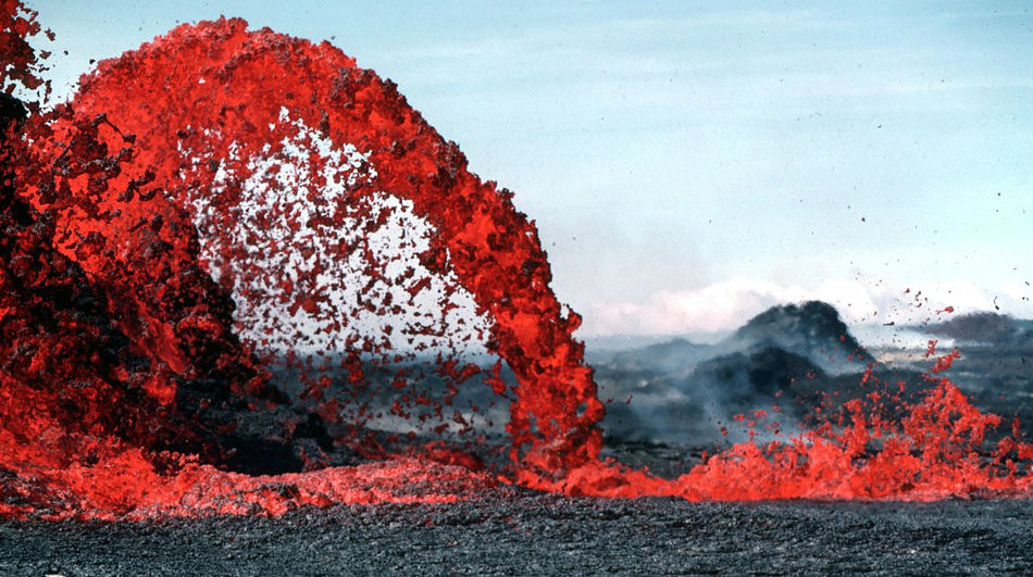 На Гавайях снова «жарко»: просыпается подводный вулкан