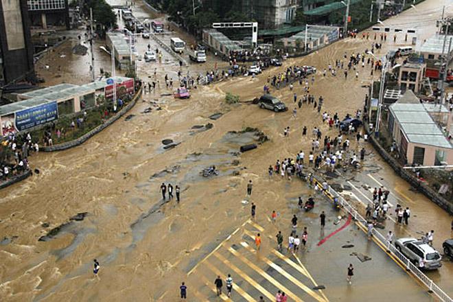 В Китае в результате наводнений пострадали почти 10 млн человек