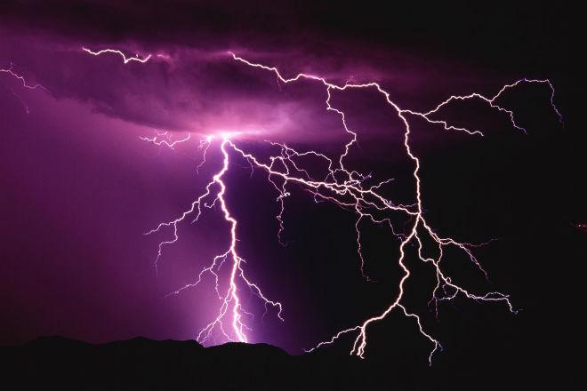 За два дня молнии поразили Шотландию 5 000 раз