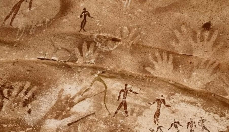 Древние отпечатки рук в африканской пещере оставили не люди