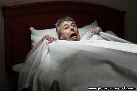 Дерущийся во сне пенсионер привязывал себя к кровати, чтобы не задушить жену