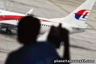 Поиски пропавшего самолета Boeing777 продолжаются.