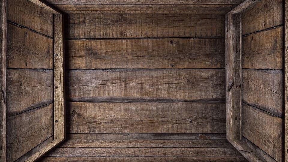 Упаковка из дерева: в чем ее преимущества перед пластиком?