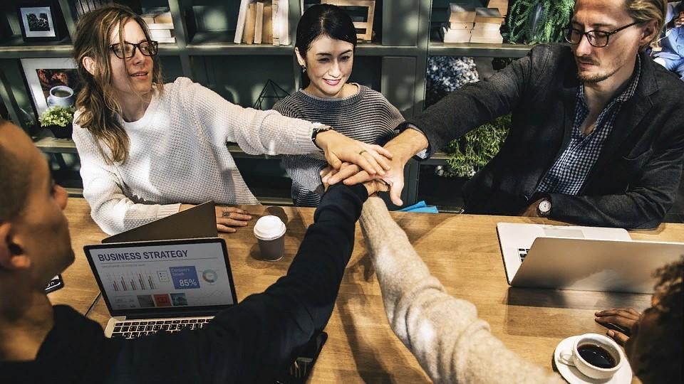 Как быстро и удачно трудоустроиться и где вообще искать работу?
