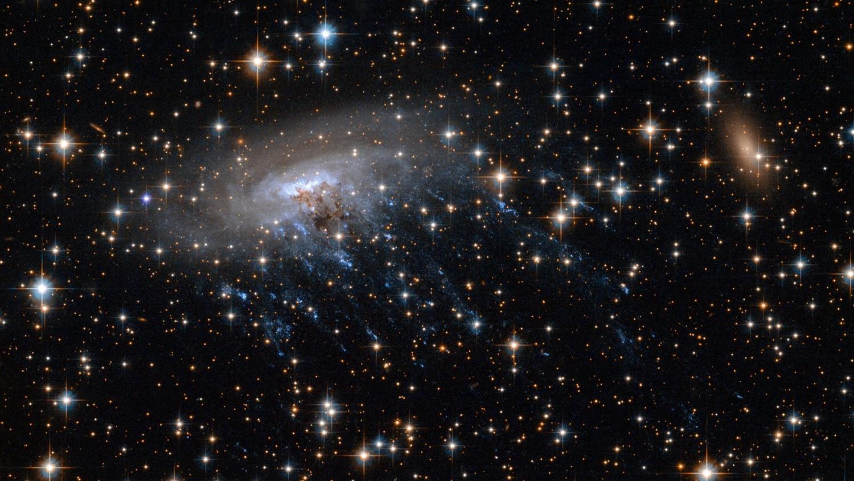 Астрономы выяснили, что заставляет галактики вращаться