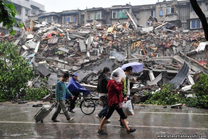 В Китае более 63 тыс человек пострадали от землетрясения