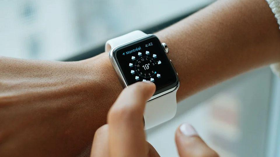 Оригинальная новинка Apple Watch SE от компании Apple
