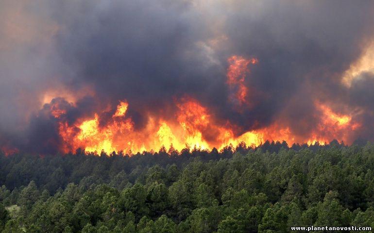 За ночь в штате Техас сгорели около 100 домов, сотни жителей эвакуированы