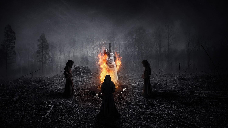 Священник сжег женщину на костре, изгоняя из нее бесов