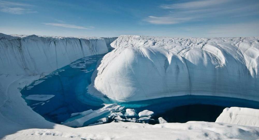 Учеными обнаружена в Антарктиде река, которая течет в верх