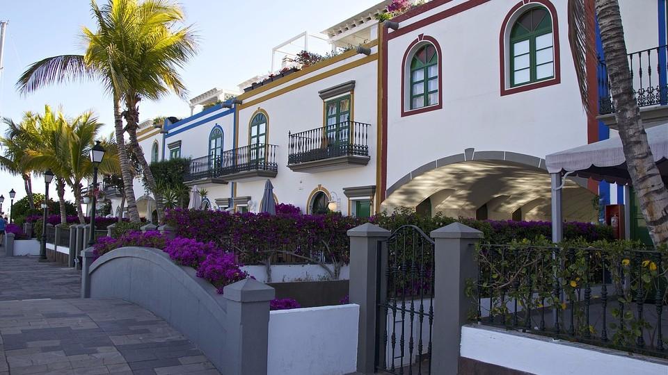 Средиземноморский стиль. Отделка фасадов песчаником
