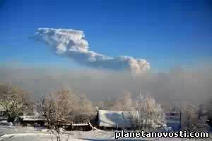На Камчатке активизировались сразу два вулкана