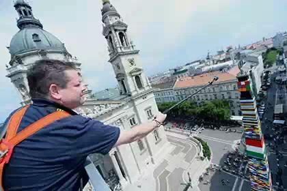 В Венгрии возвели 36-метровую башню из «Лего»