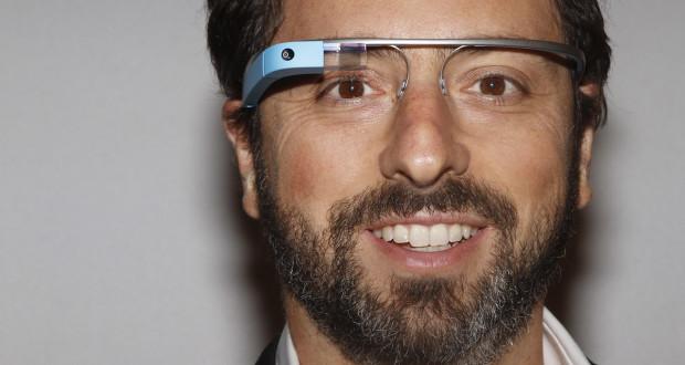 Google Glass будут транслировать реальную жизнь человека в интернет
