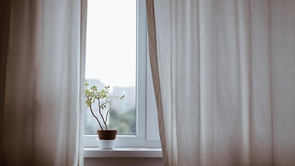 Недорогие пластиковые окна Rehau Ecosol 60 для вашей квартиры в Киеве