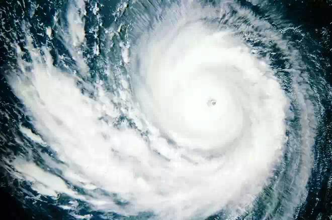 К Китаю приближается тайфун