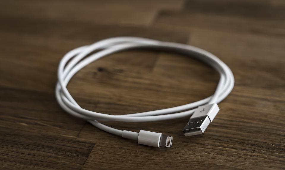 Как выбрать USB-кабель для смартфона: ТОП-5 советов