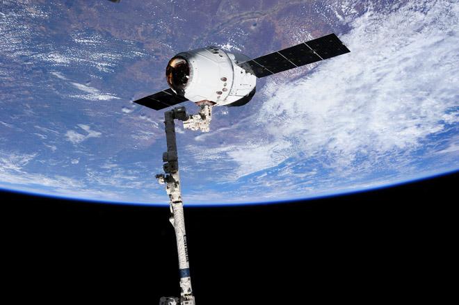 SpaceX планирует запустить «такси для астронавтов»