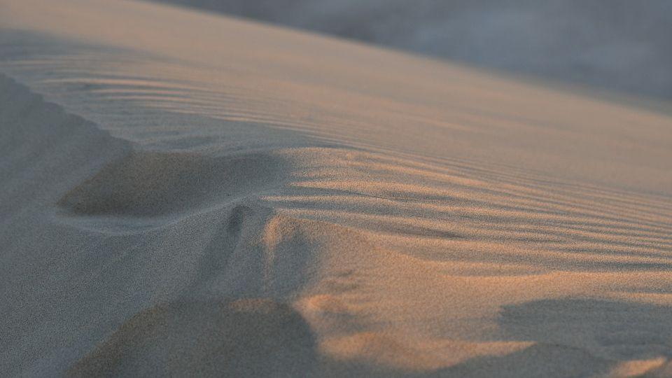 4 сферы, где постоянно используется песок