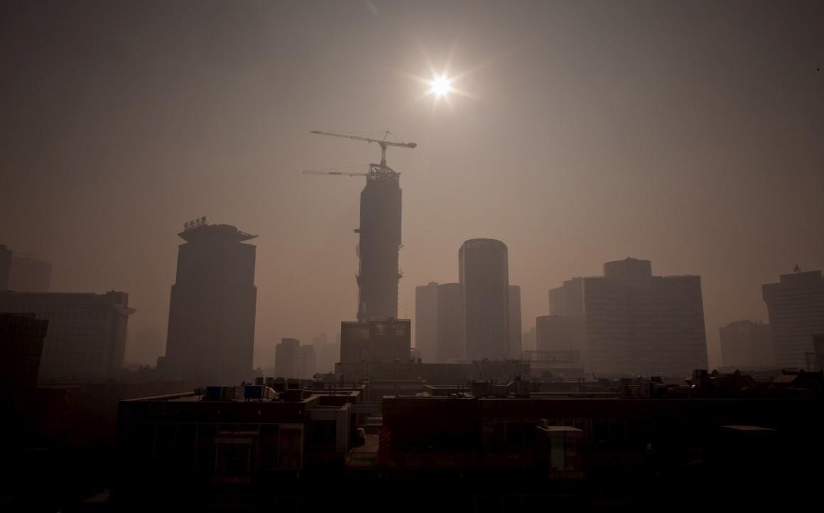 В Пекине уровень экологической угрозы повышен до «оранжевого»
